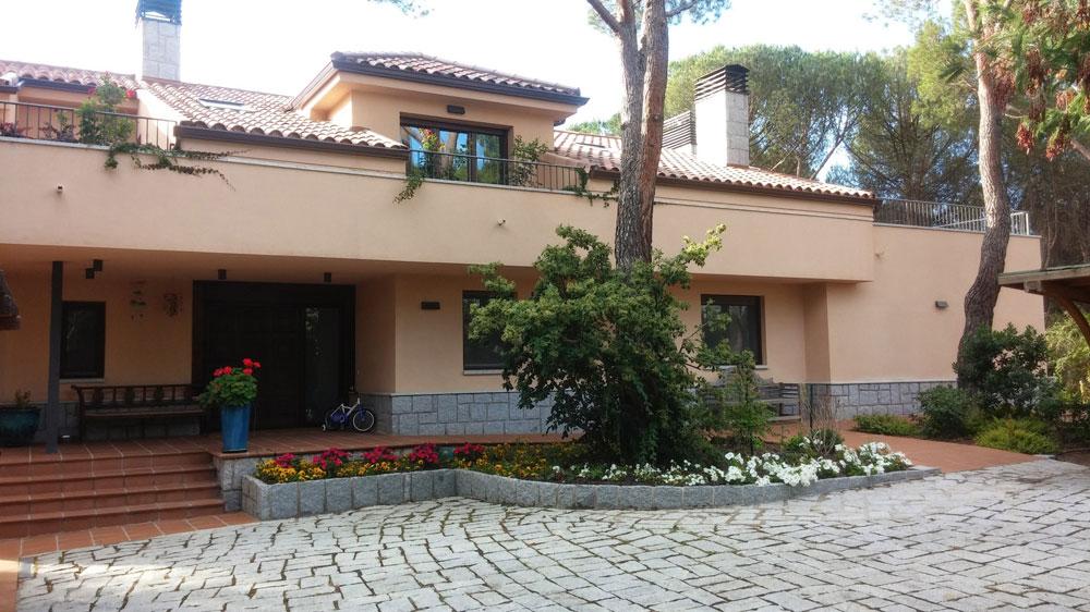 fachada-ampliacion-chalet-sierra-de-madrid