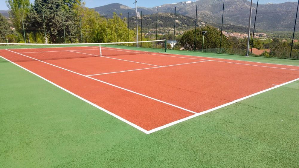 Foto después de la reforma de la pista de tenis